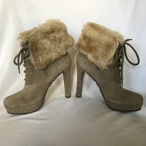 Authentic Gucci Fox fur boots